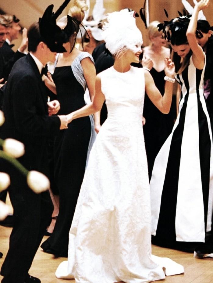 masque-deguisement-costumes-carnaval-blanche-robe-femme