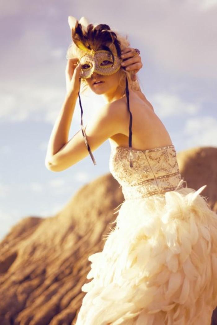 masque-deguisement-costumes-carnaval-robe-belle