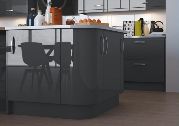 meuble-cuisine-et-ilot-de-cuisine-couleur-anthracite-sol-stratifie-plan-de-travail-et-credence-blanche-look-sophistique
