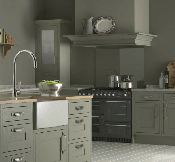 meuble-cuisine-et-couleur-peinture-cuisine-taupe-ambiance-moderne-austrere-couleur-gris-taupe