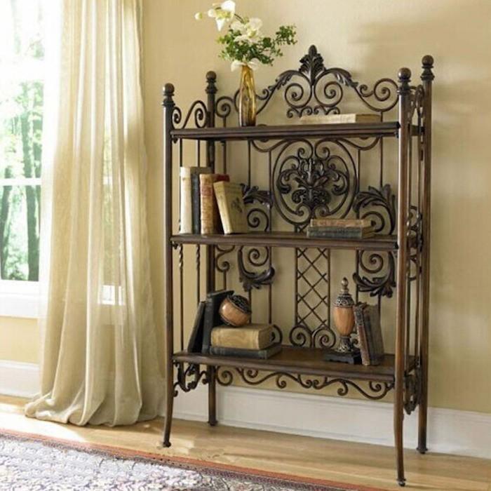 tag re en fer forg pour une d co pleine de caract re. Black Bedroom Furniture Sets. Home Design Ideas