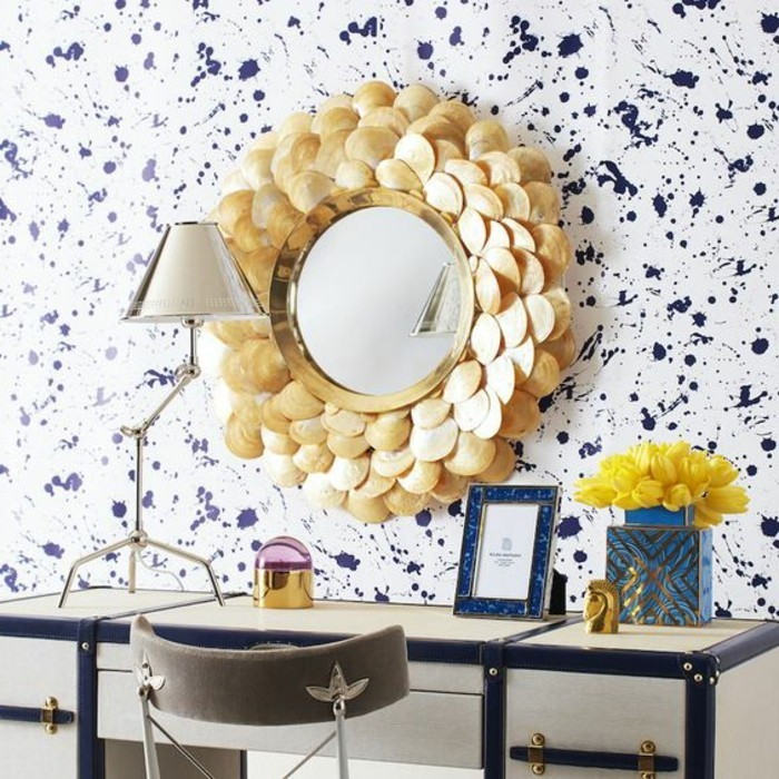miroir-original-encadrement-original-joli-miroir-mural