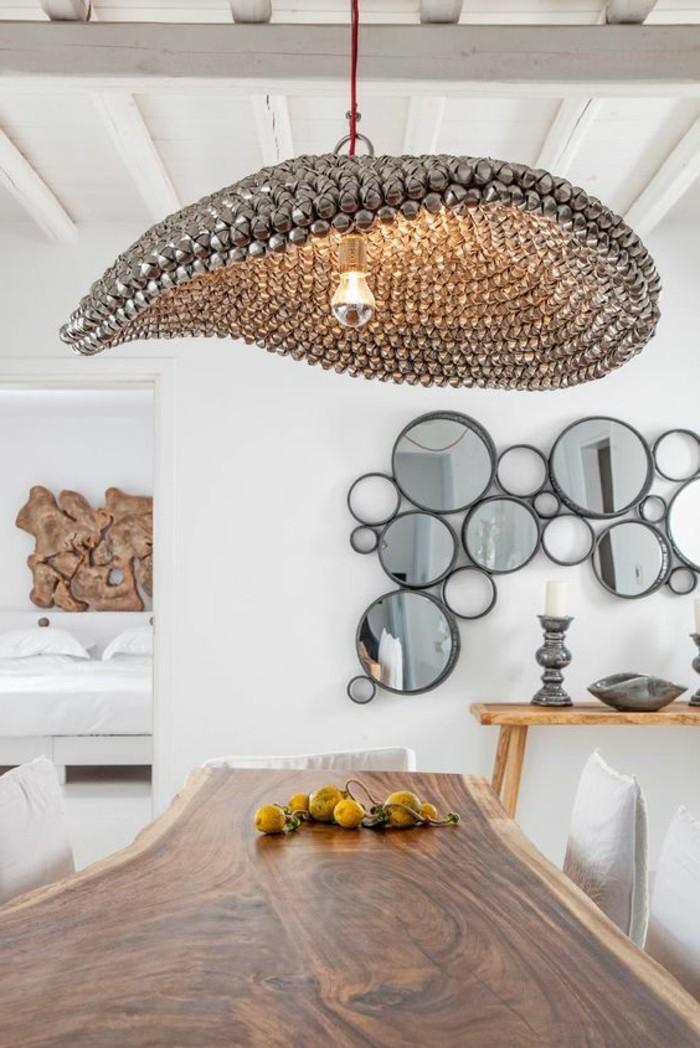 miroir-original-plusieurs-miroirs-decoratifs-accroches-au-mur