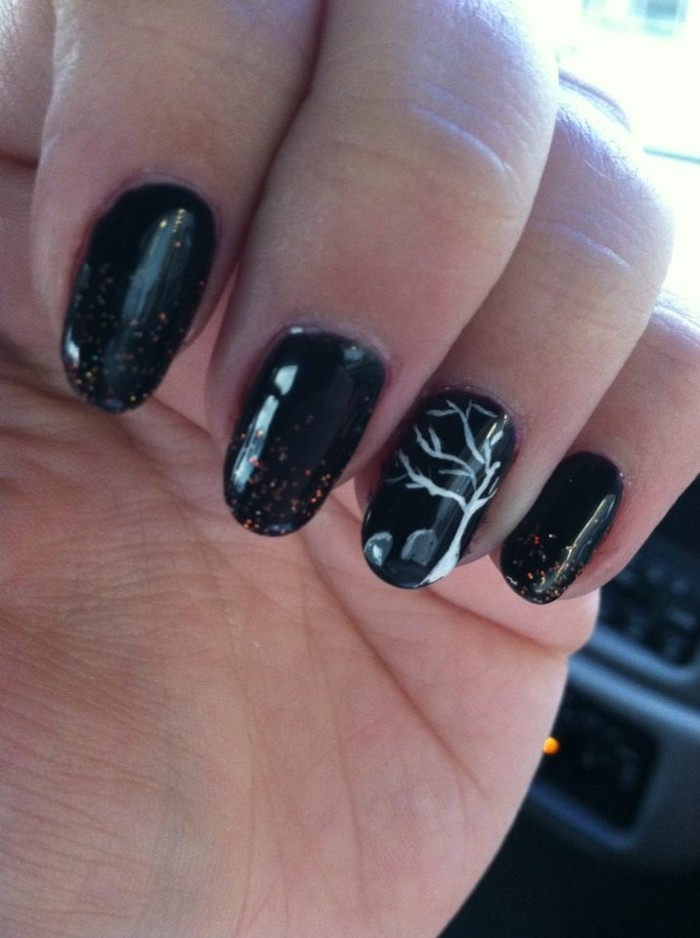 noir-dessin-superbe-ongle-gel-couleur-idee-deco-ongle