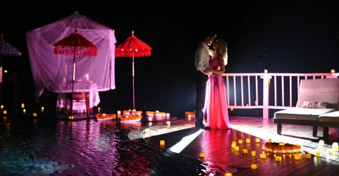 organiser-une-soiree-romantique-image-jolie-belle-couple