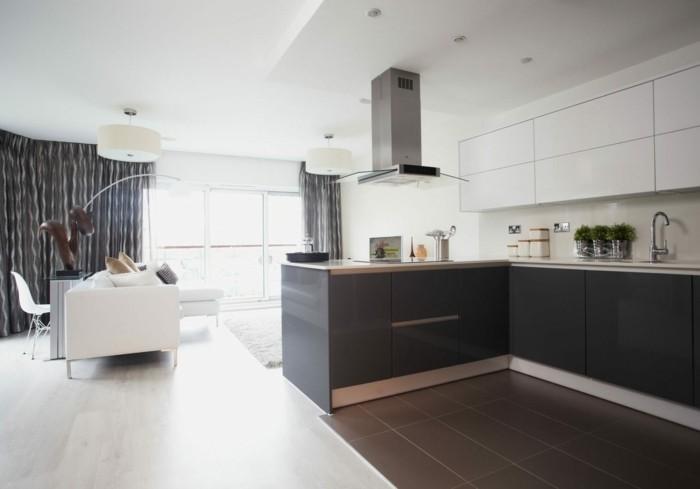 petit-coin-cuisine-style-sobre-decor-en-gris-anthracite-et-blanc-carrelage-sol-couleur-taupe