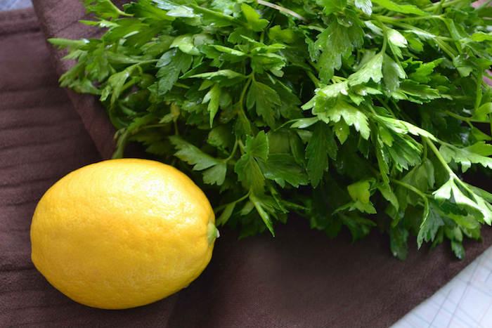 planter-du-persil-citron-aromatique-plante-et-herbe-créer-un-potager