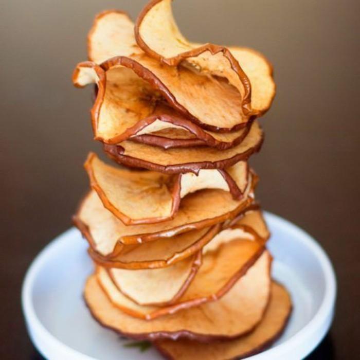 pommes-au-four-feuilles-de-pommes-cuites
