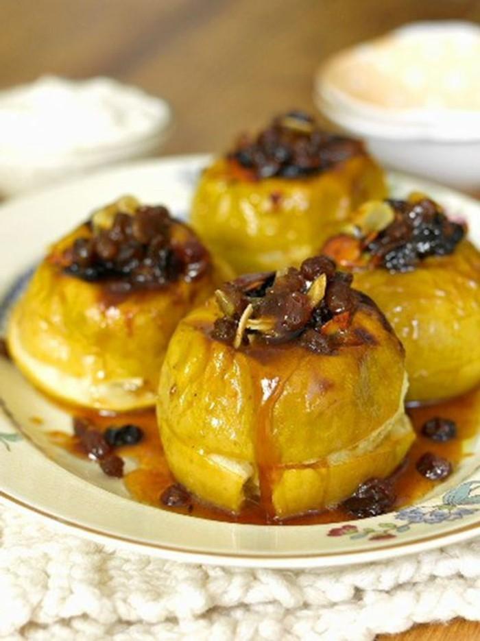 pommes-au-four-pommes-cuites-couleur-doree