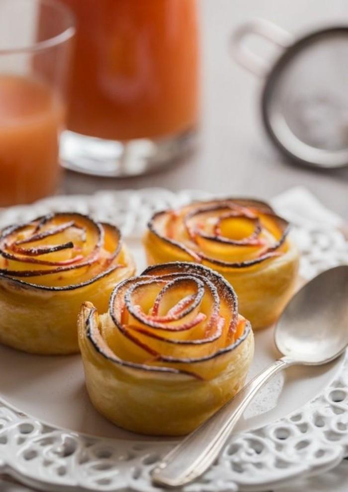 pommes-au-four-roses-de-pommes-cuites