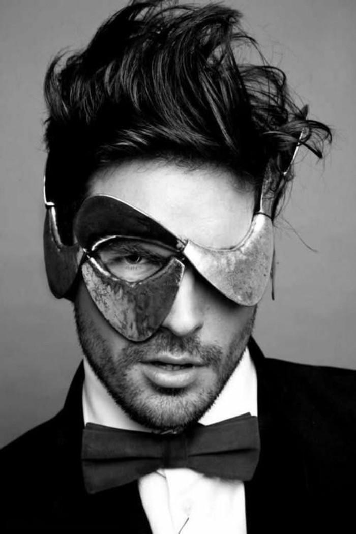 robe-de-bal-de-promo-masques-de-carnaval-homme-beau