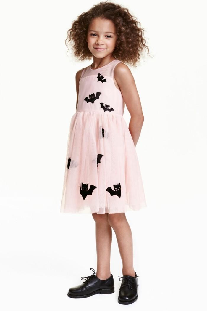 robe-de-fete-fille-h-m-motifs-chauve-souris-halloween-resized