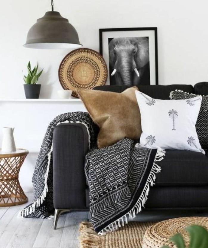 salon-gris-et-blanc-couleur-peinture-salon-blanc-canape-couleur-gris-anthracite-accents-bruns-idee-deco-salon-empreinte-d-exotisme