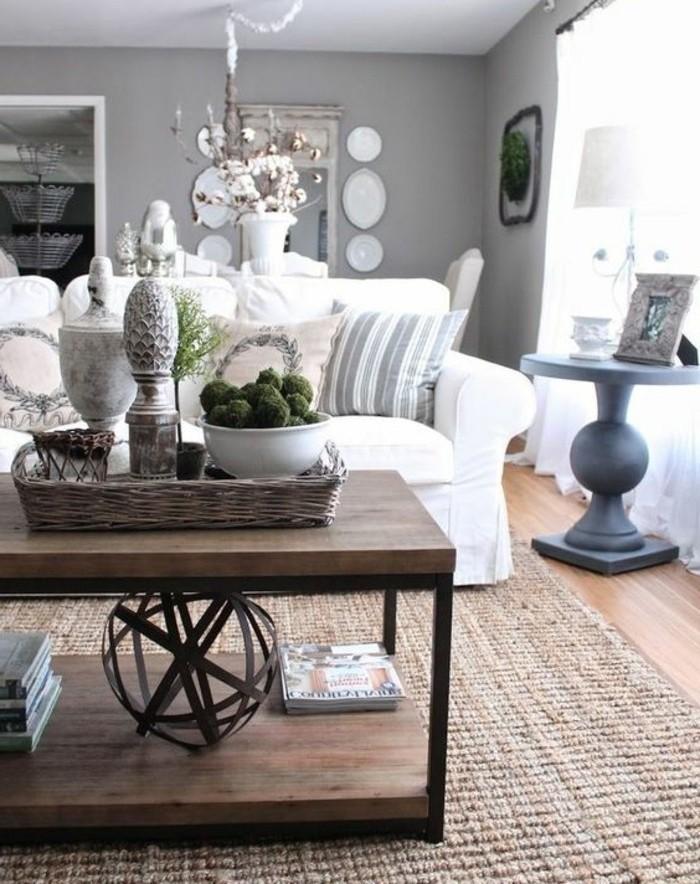 salon-gris-et-blanc-style-rustique-deco-salon-gris-avec-un-canape-blanc-rideaux-blancs-table-basse-en-bois-vintage