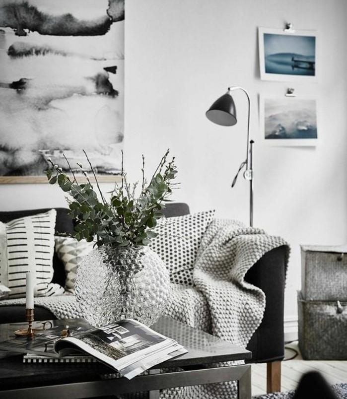 salon-gris-et-blanc-tres-moderne-couleur-peinture-salon-blanc-mobilier-et-accessoires-gris-simplicite-salon-scandinave