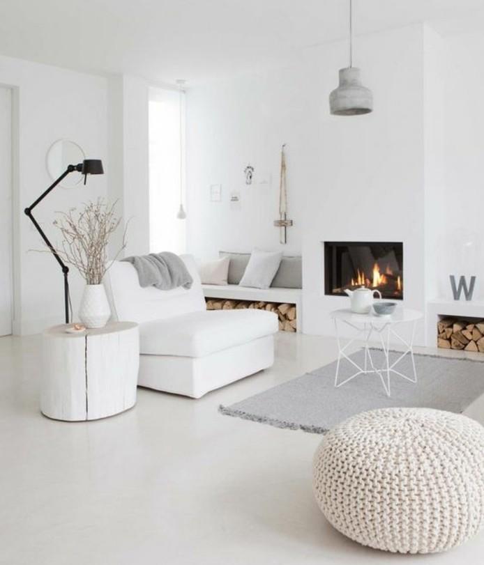 salon-scandinave-sobriete-du-decor-deco-salon-moderne-couleur-peinture-salon-blanc-avec-de-petits-accents-gris-et-magnifique-cheminee