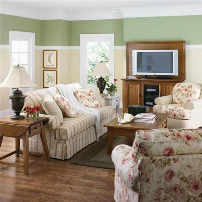 salon-style-shabby-chic-sol-en-parquet-fonce-meubles-beige-table-basse-en-bois-tapis