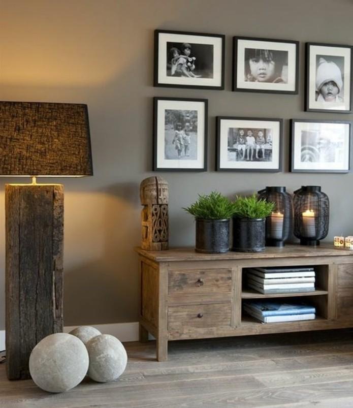 salon-taupe-deco-salon-gris-tres-elegante-parquet-meubles-en-bois-brut-ambaince-rustique-chic