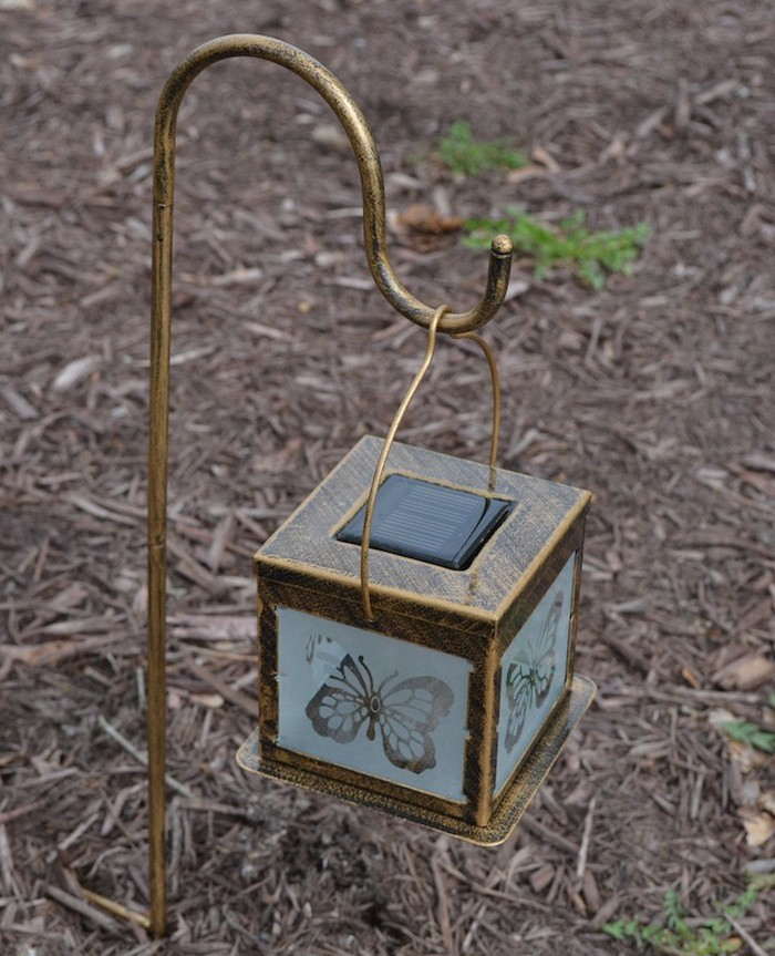 lanterne avec bougie extrieur lanternes de jardin avec bougies pour cet t for lanterne avec. Black Bedroom Furniture Sets. Home Design Ideas