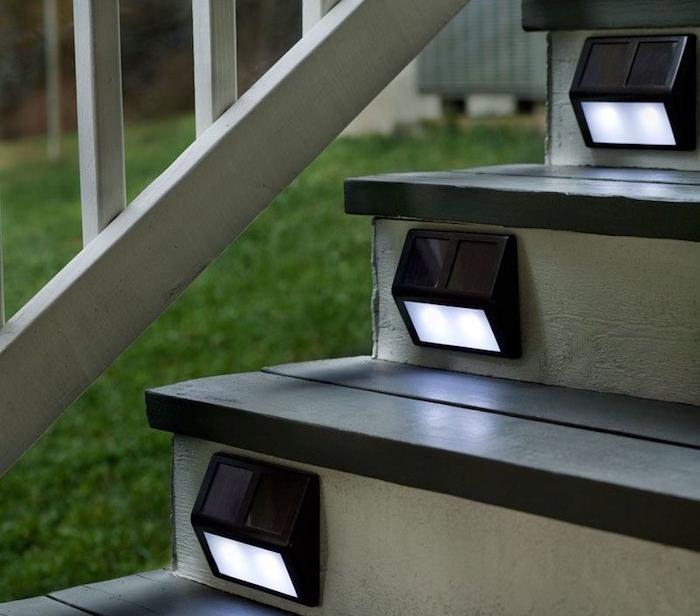 spot-solaire-eclairage-exterieur-escalier
