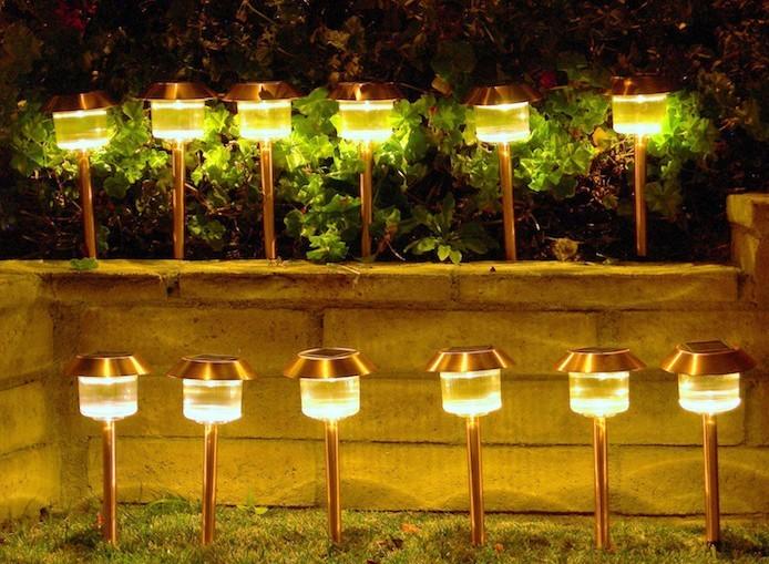Clairage ext rieur solaire que la lumi re soit for Eclairage led jardin