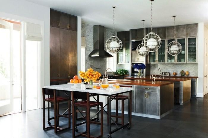 style-loft-industriel-pour-cette-cuisine-vintage-mur-en-briques-gris-deux-ilots-cuisine-suspensions-design-genial-cuisine-vintage-en-metal