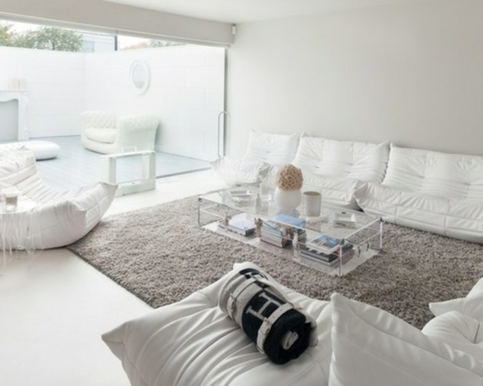 Un salon en gris et blanc c 39 est chic voil 82 photos qui for Deco sejour blanc