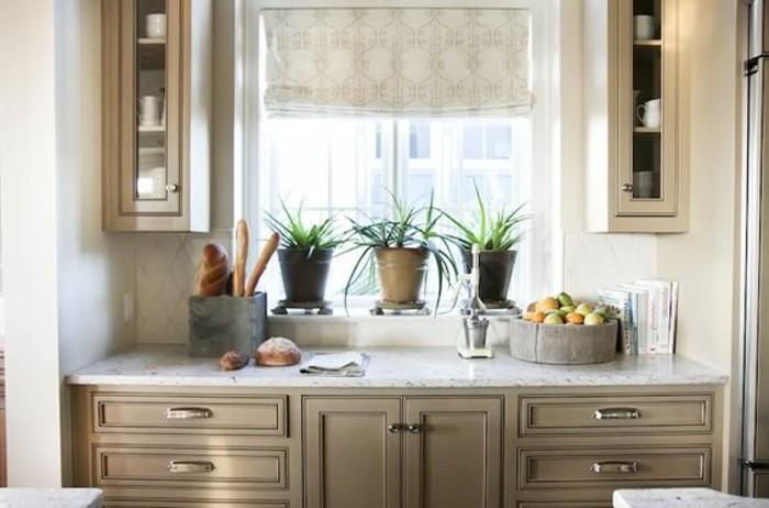 superbe-modele-cuisine-placards-couleur-gris-taupe-plan-de-travail-en-pierre-cuisine-tres-esthetique