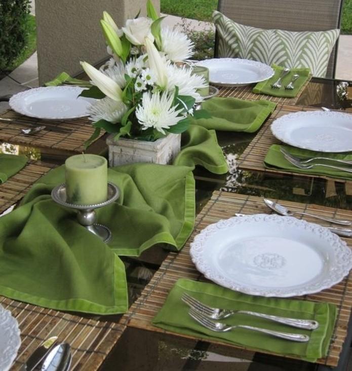 table-de-paques-pour-feter-a-l-exterieur-coeuleur-verte-predominante-deco-sympa