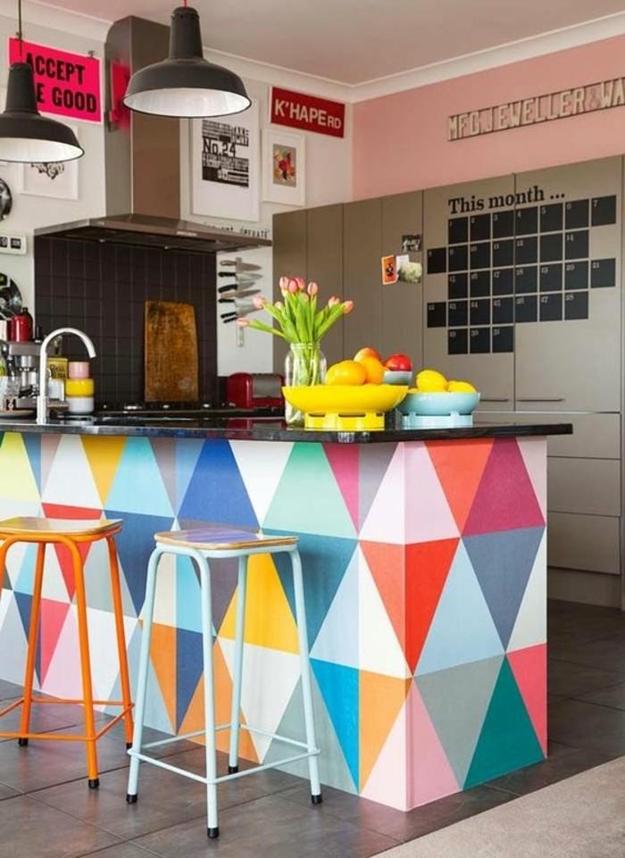 tabourets-de-bar-colore-ilot-lampes-vase