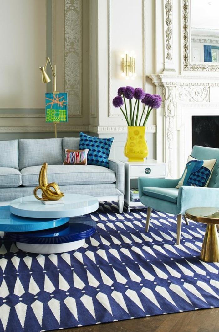 tapis-modernes-vase-canapé-petite-table