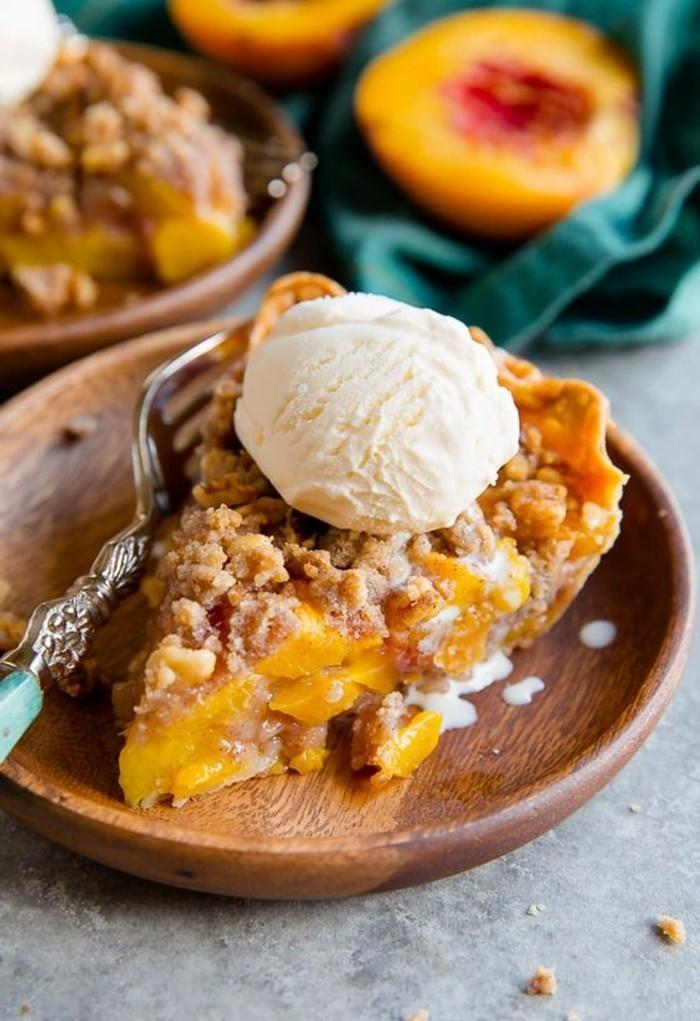 tarte-crumble-a-la-peche-et-avec-glace-dessert-original