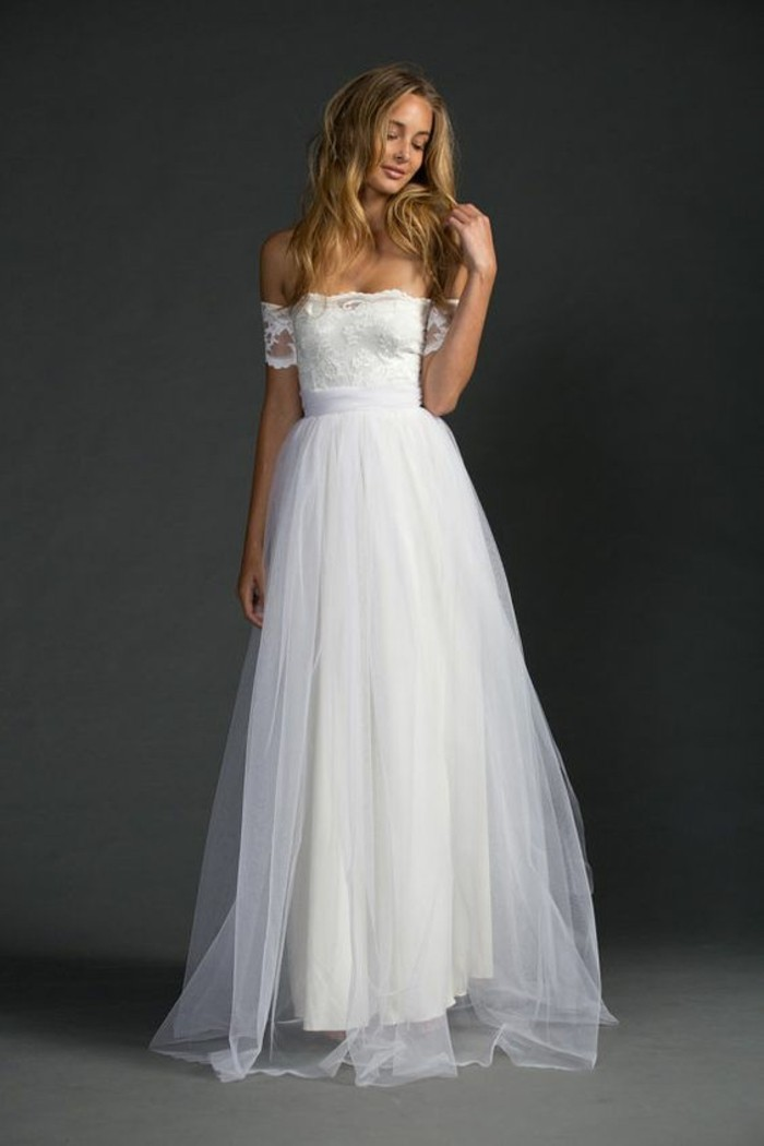 tenue-robe-de-mariee-simple-modele-a-choisir-belle-femme
