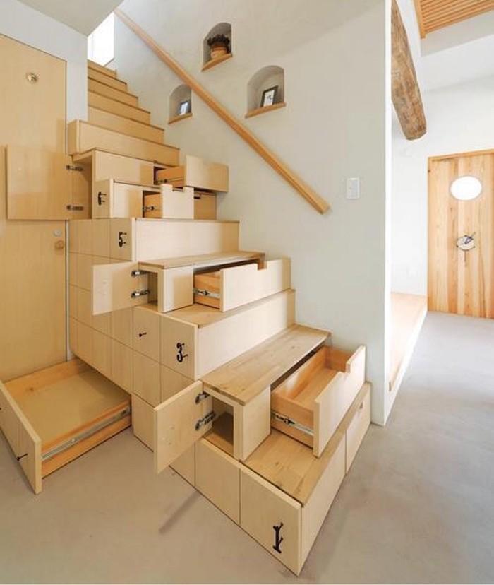 tiroirs-etageres-sous-escalier-design