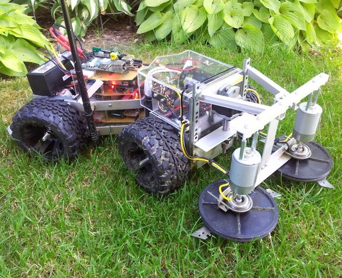 tondeuse-gazon-electrique-robot-fait-maison