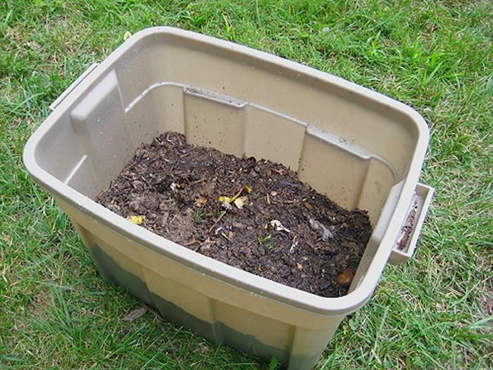 tutoriel-fabriquer-un-bac-a-composte-compost-composteur-tuto-7