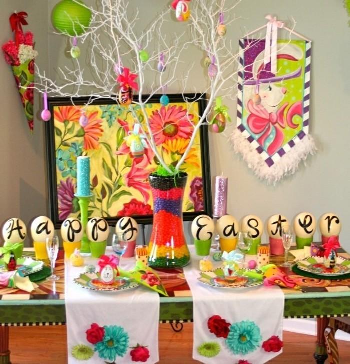 une-autre-suggestion-multicolore-pour-la-fete-de-paques-ambiance-enjouee-differents-motifs-paques