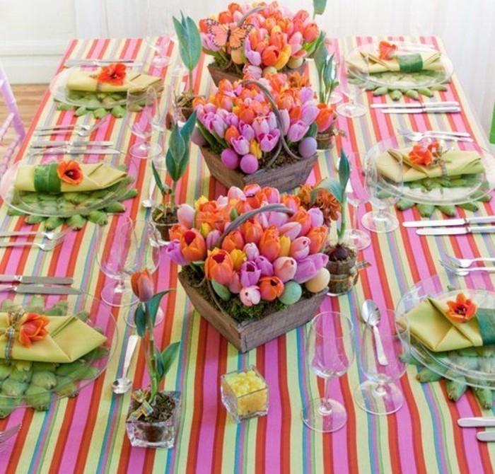 une-veritable-explosion-de-couleurs-gros-paniers-remplis-de-tulipes-de-couleurs-diverses