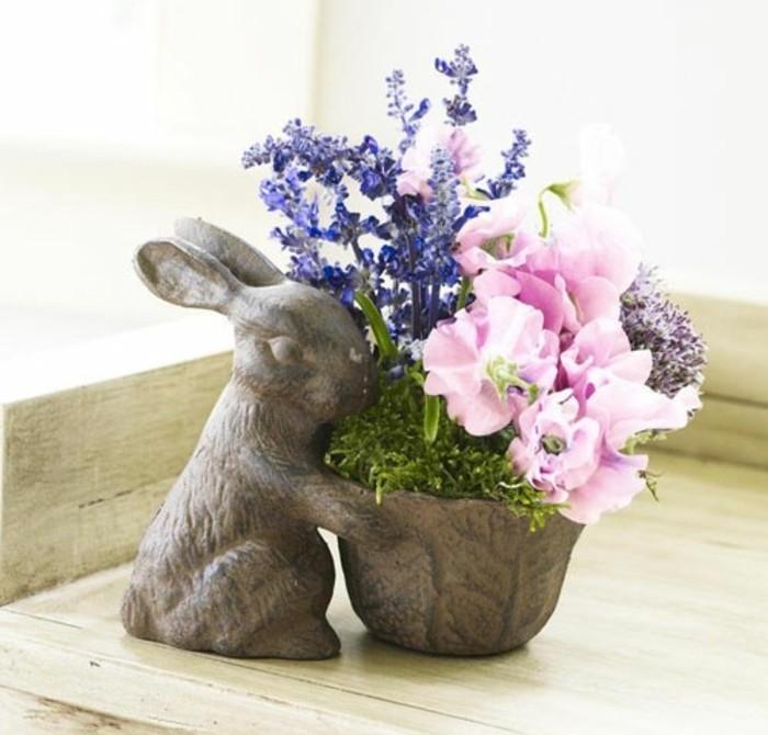 vase-de-fleurs-extremement-originale-fleurs-fraiches-deco-paques-charmante