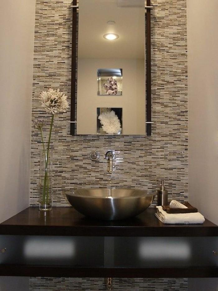 vasque-ronde-carrelage-mur-mosaique-lavabo-en-verre
