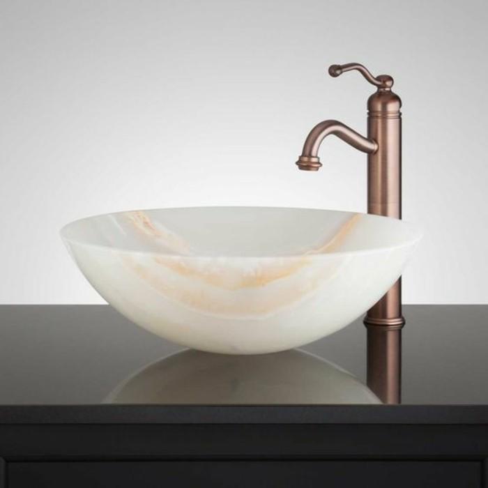 vasque-ronde-et-mitigeur-en-cuivre-modeles-vasque-de-salle-de-bains