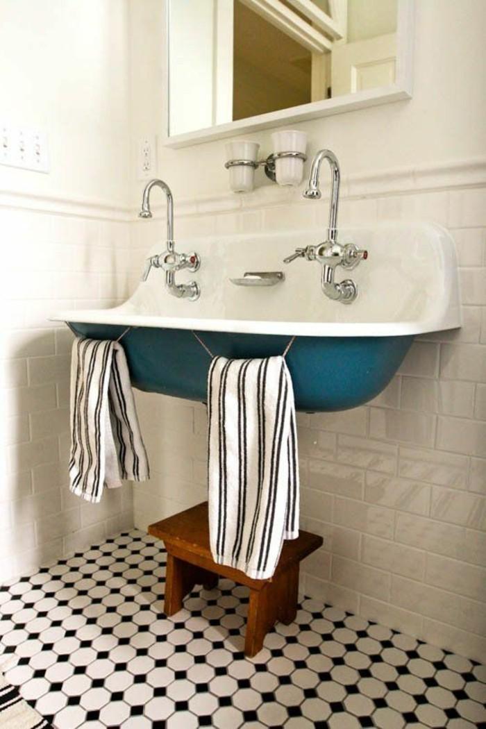 vasque-suspendue-carrelage-damier-vintage-lavabo-retro