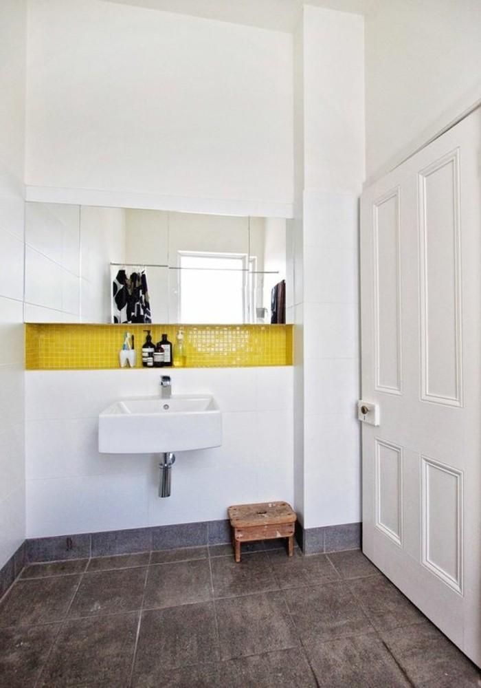 vasque-suspendue-design-contemporain-salle-de-bain-epuree