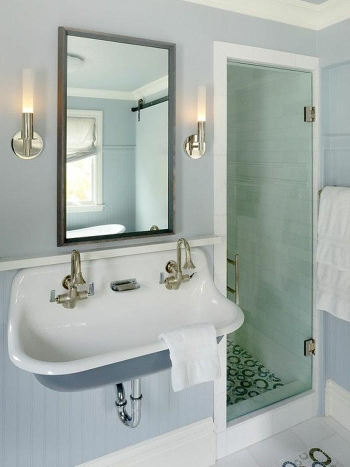 Luminaire salle de bain plafond les for Luminaire plafond salle de bain
