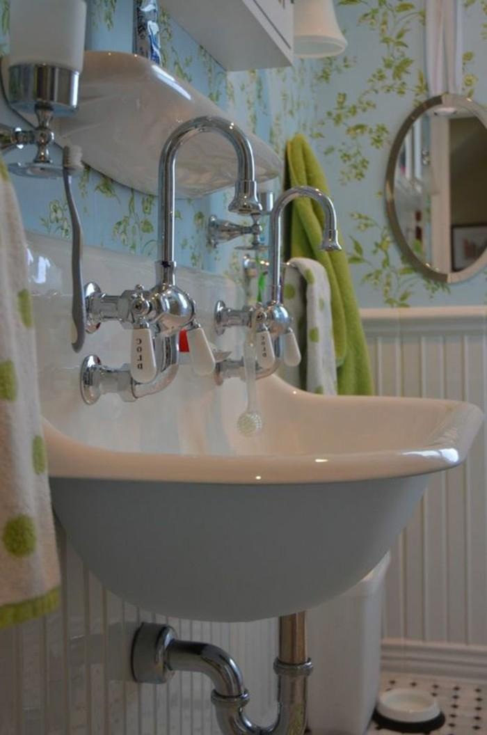 vasque-suspendue-lvabo-vintage-chic-en-bleu-et-blanc