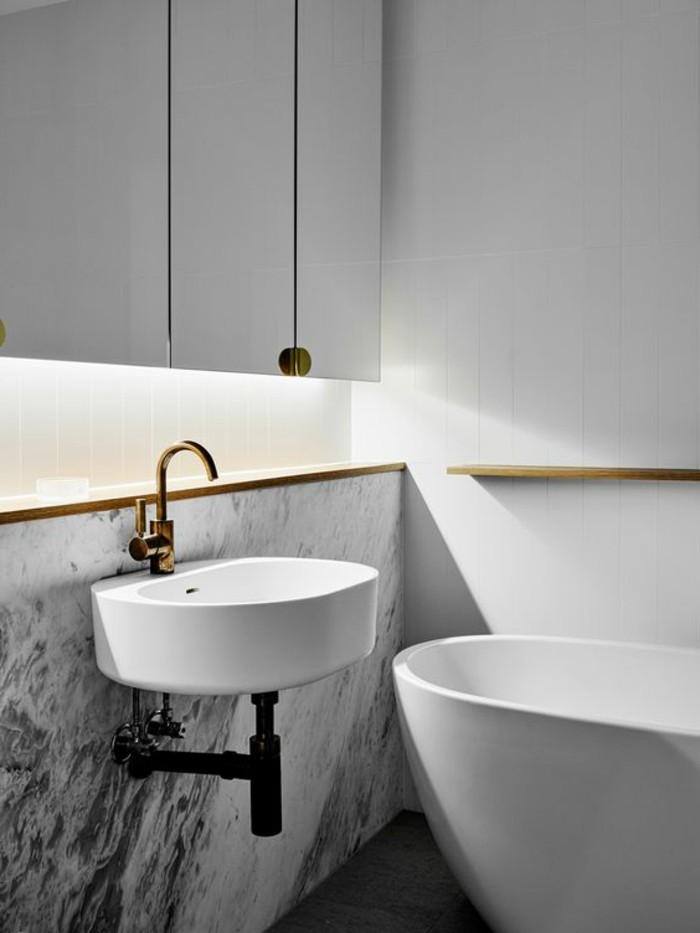 vasque-suspendue-petit-lavabo-dans-salle-de-bains-contemporaine