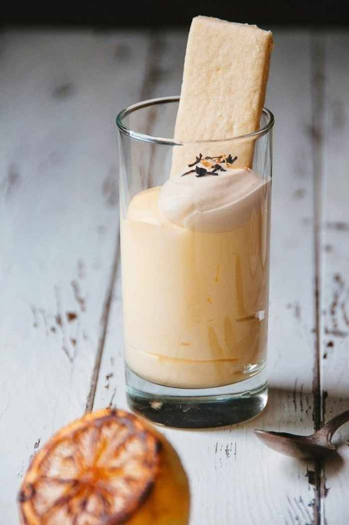verrine-sucree-creme-douce-en-verre-idee-dessert-facile
