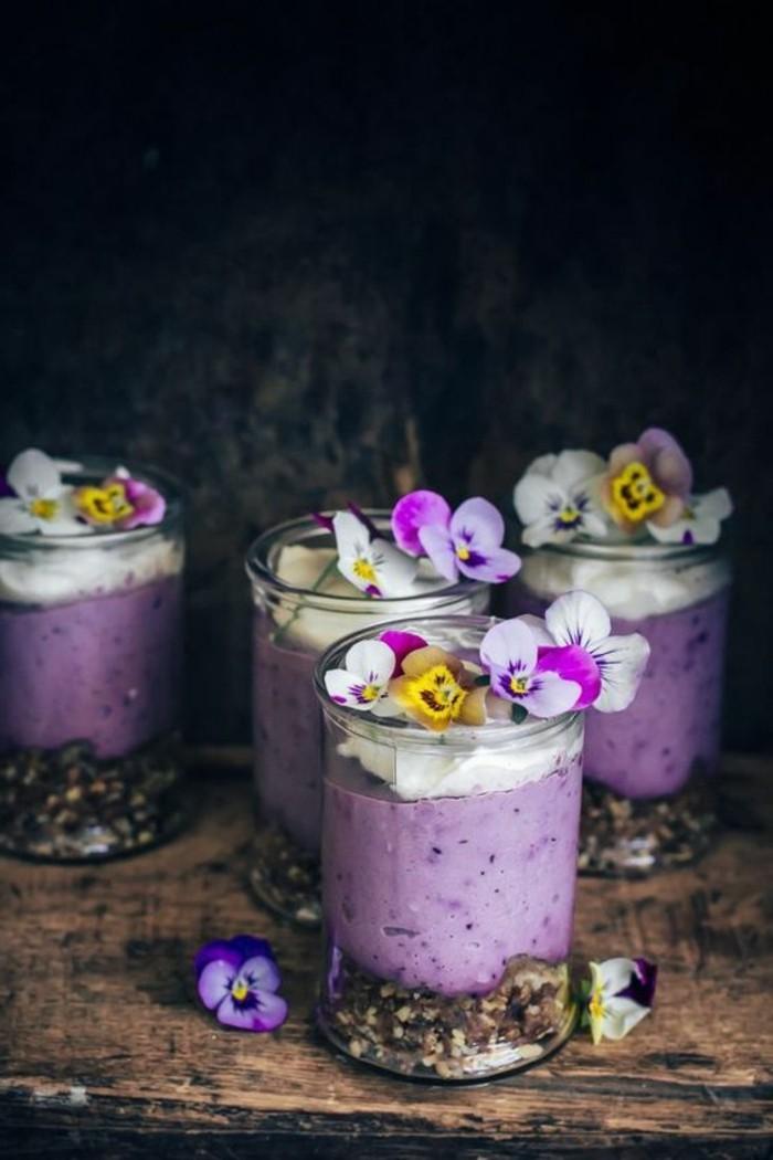 verrine-sucree-jolie-verrine-en-couleur-lilas