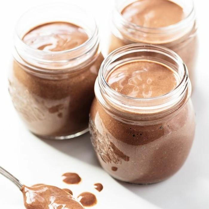 verrine-sucree-mousse-de-chocolat-en-verre-dessert-rapide