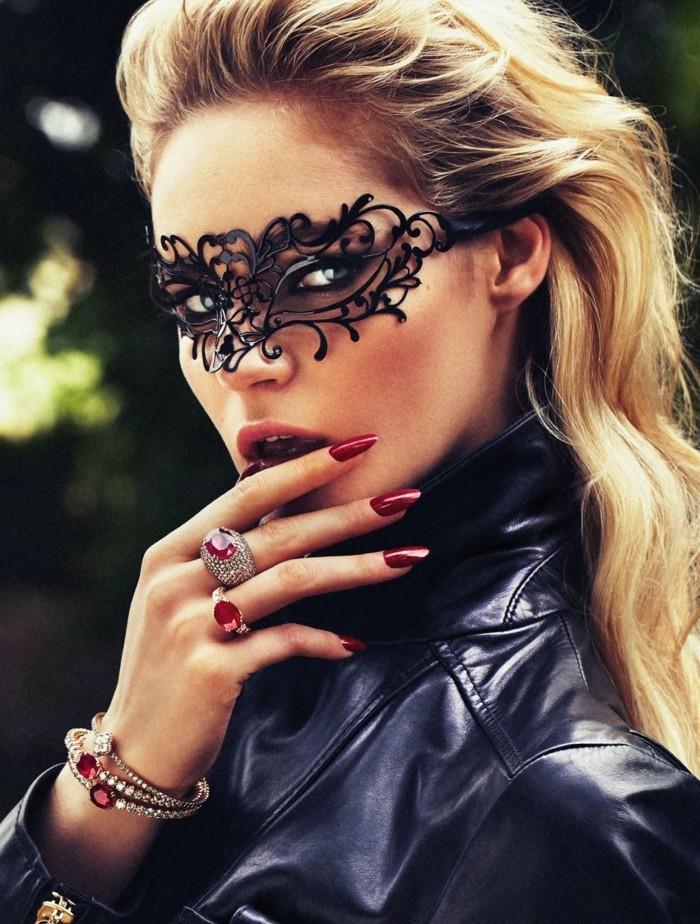 voir-la-masque-venitien-femme-soiree-bal-beaute